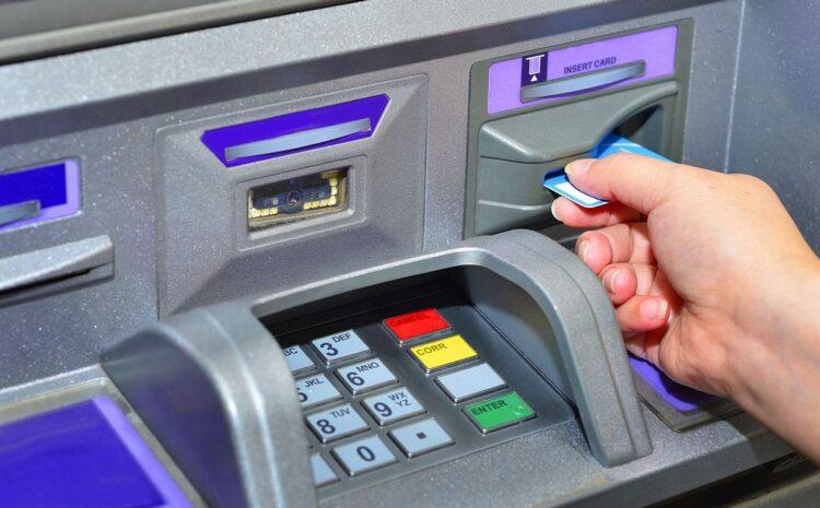 SBI ने बदला नियम, अब ATM से ट्रांजैक्शन फेल हुआ तो भरनी होगी पेनल्टी