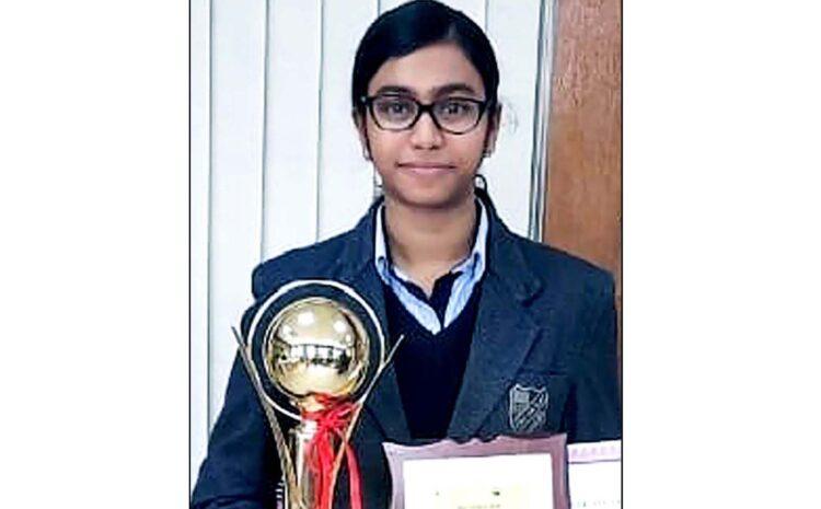 इण्डियन-कोरियन निबन्ध प्रतियोगिता (Indian-Korean Essay Competition) में CMS छात्रा ने जीती ट्राफी